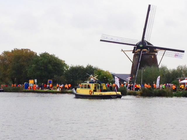 Teuto Run & Fun Laufreise zum Amsterdam-Marathon entlang des Wassers